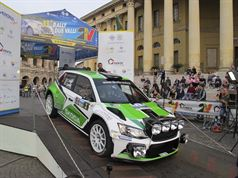 Umberto Scandola, Guido D'amore (Skoda Fabia R5 #3, Car Racing)_Piazza Bra, ITALIAN RALLY CHAMPIONSHIP